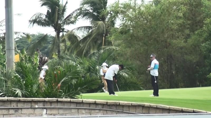 Bất chấp lệnh cấm, sân golf lớn ở Bình Dương vẫn hoạt động - ảnh 3
