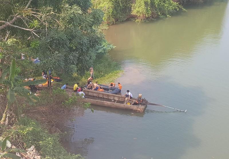 Bình Phước: Một phụ nữ dẫn theo con gái nhảy sông tự tử - ảnh 1