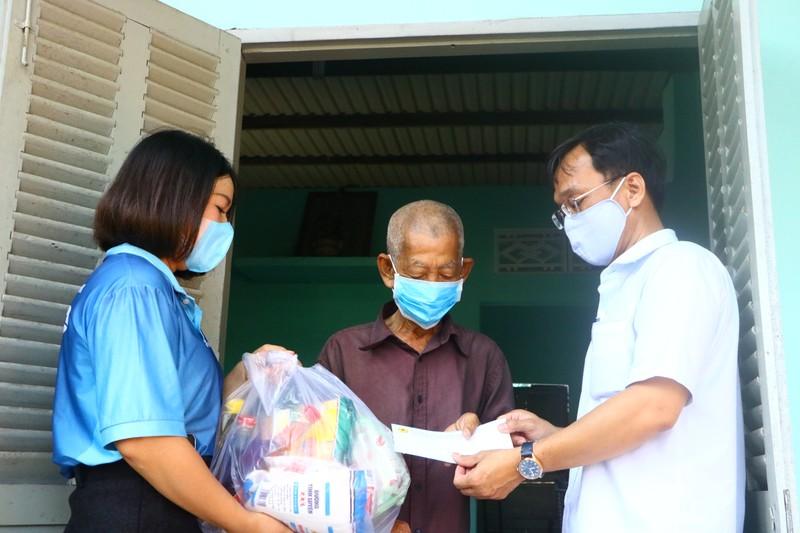 Bình Dương: Hơn 7 tỉ đồng ủng hộ phòng, chống dịch COVID-19 - ảnh 1