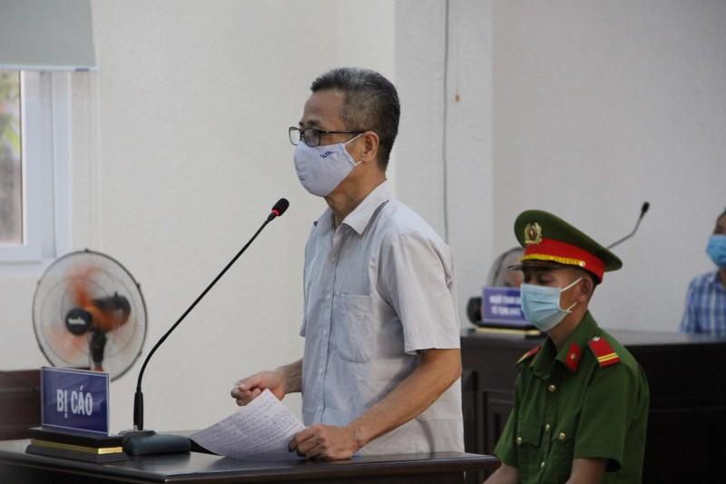 Vụ cựu bí thư Bến Cát: VKS và luật sư tranh luận căng thẳng - ảnh 1