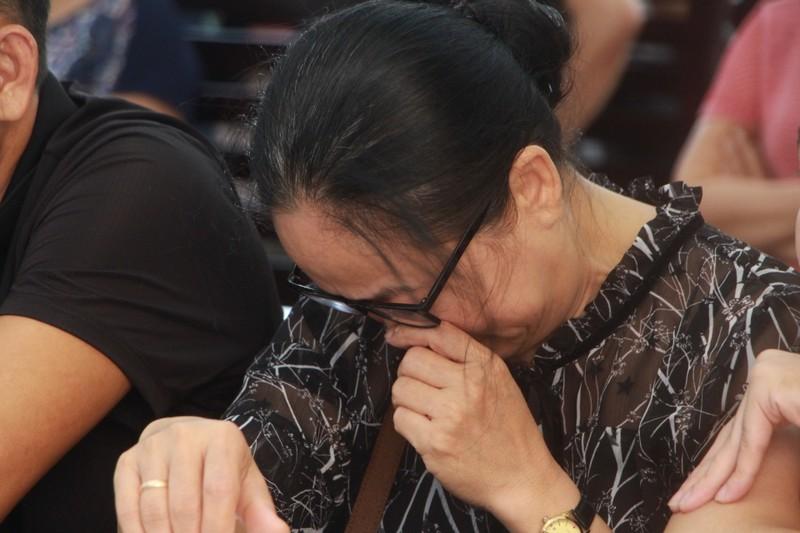 Mẹ nạn nhân vụ đổ bê tông giấu xác: 'Con tôi chưa chết' - ảnh 1