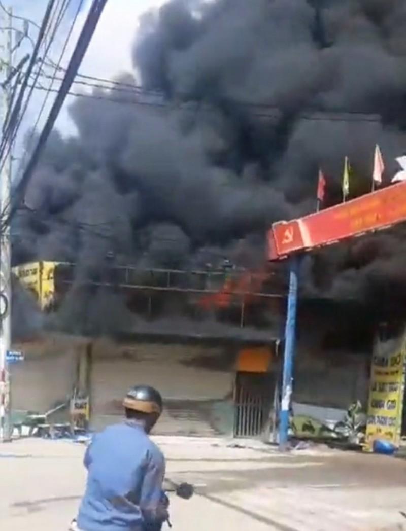 3 người tử vong trong đám cháy ở tiệm cầm đồ tại Bình Dương - ảnh 1