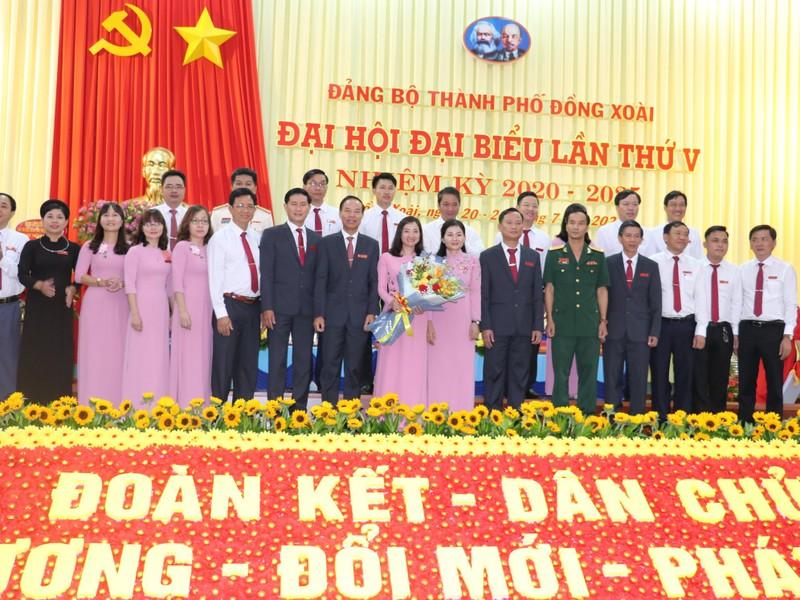 Bà Tôn Ngọc Hạnh tái đắc cử Bí thư thành ủy Đồng Xoài - ảnh 2
