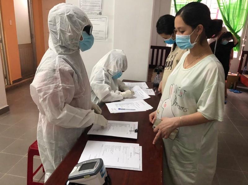 Thai phụ được khám sức khỏe miễn phí khi hết cách ly COVID-19 - ảnh 1