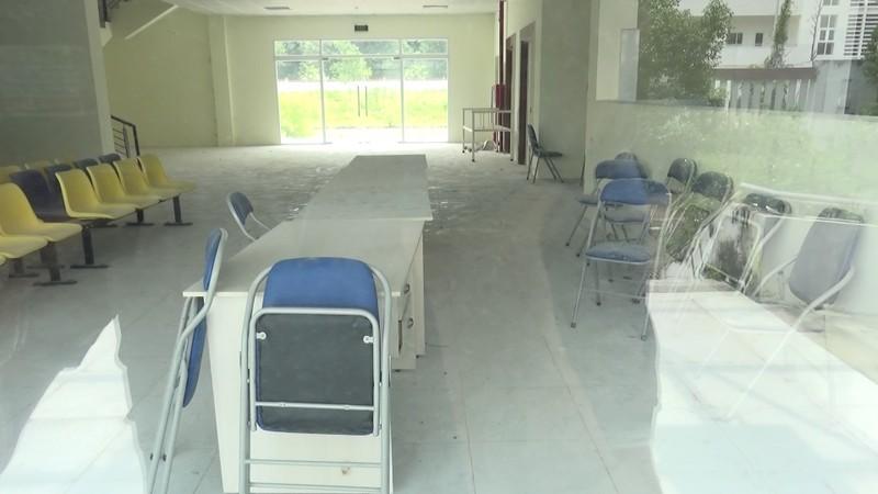 Bình Dương: Bệnh viện hàng trăm tỉ thành nơi trú ngụ của bò - ảnh 5