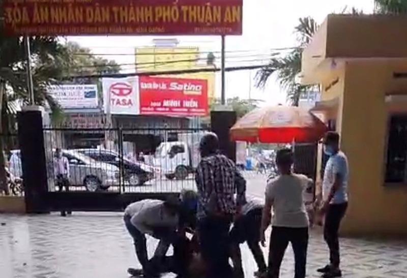 Bình Dương: Xông vào tòa án khống chế bắt người - ảnh 1