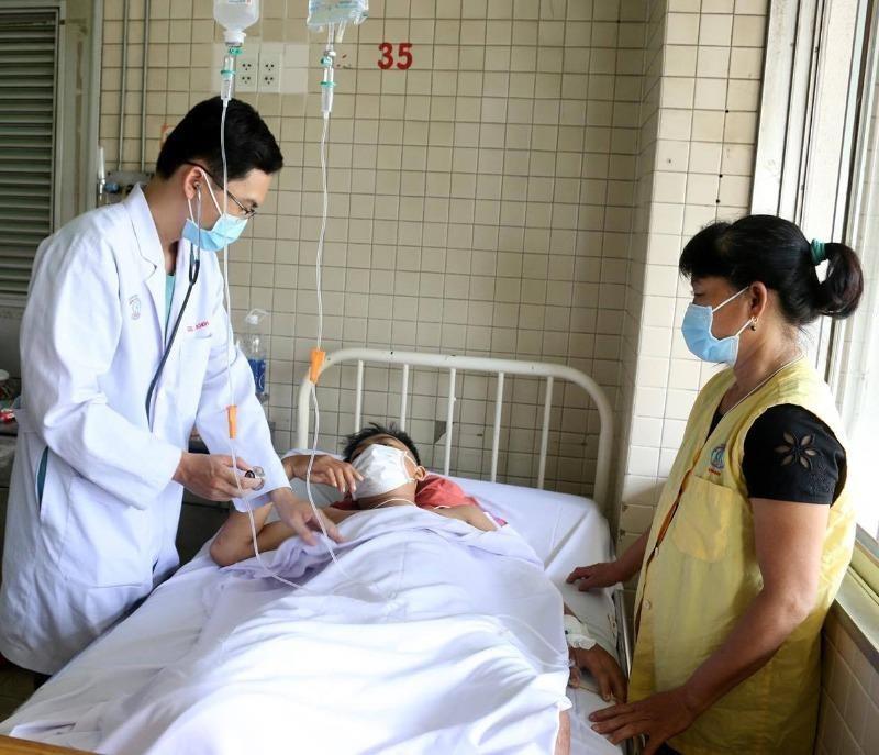 Tây Ninh: Kẻ chém đứt chân thiếu niên 15 tuổi ra đầu thú - ảnh 1