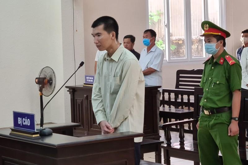 Đánh chết người sau va chạm, nam bị cáo khóc suốt phiên tòa - ảnh 1
