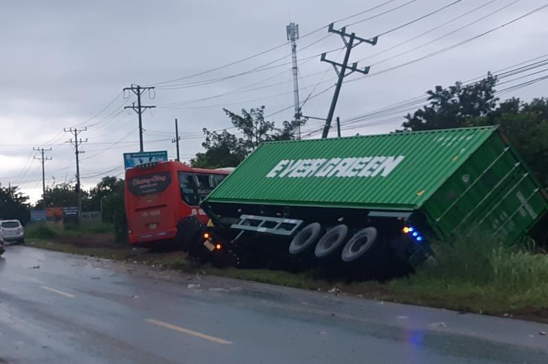 Bình Phước: Tai nạn liên hoàn, 5 người thương vong - ảnh 2