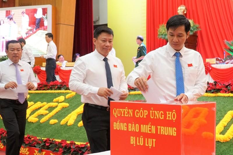 Đại hội Đảng bộ Tây Ninh đóng góp ủng hộ đồng bào miền Trung - ảnh 3