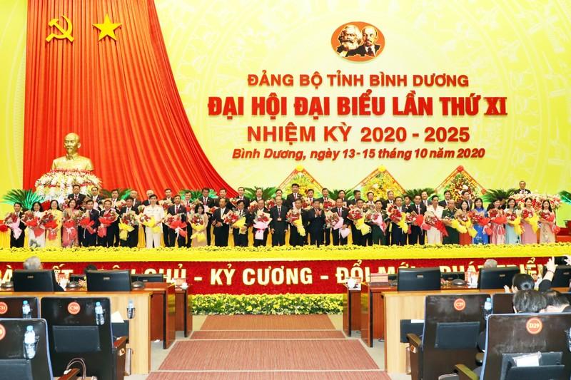 Đại hội Đảng bộ Bình Dương quyên góp ủng hộ cho miền Trung - ảnh 2
