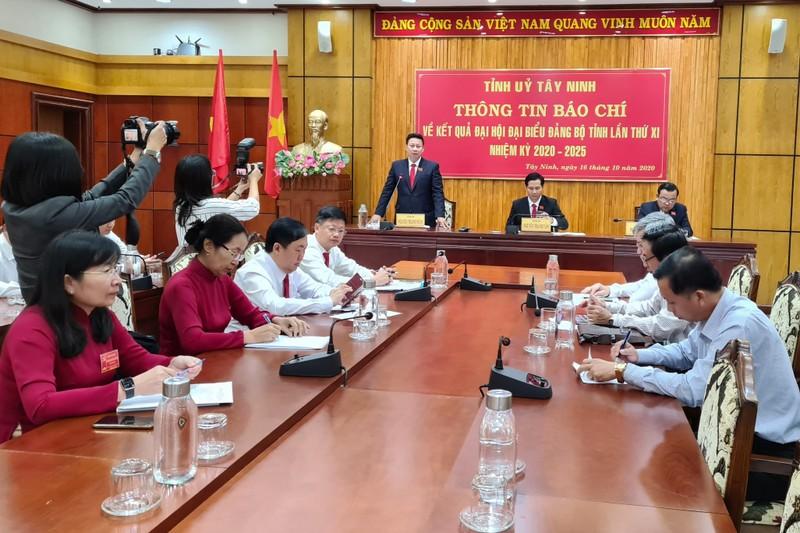Tây Ninh: Phát triển kinh tế luôn đảm bảo quốc phòng - an ninh - ảnh 2