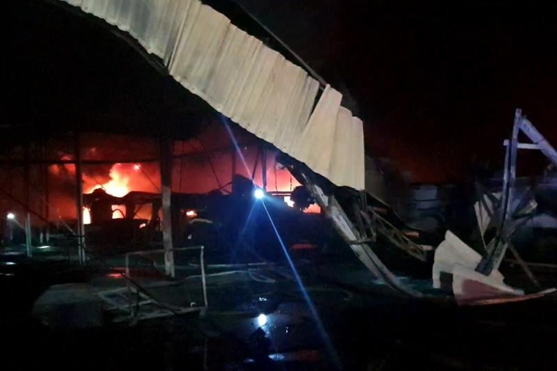 Liên tiếp 3 công ty tại Bình Dương bị cháy dữ dội - ảnh 4