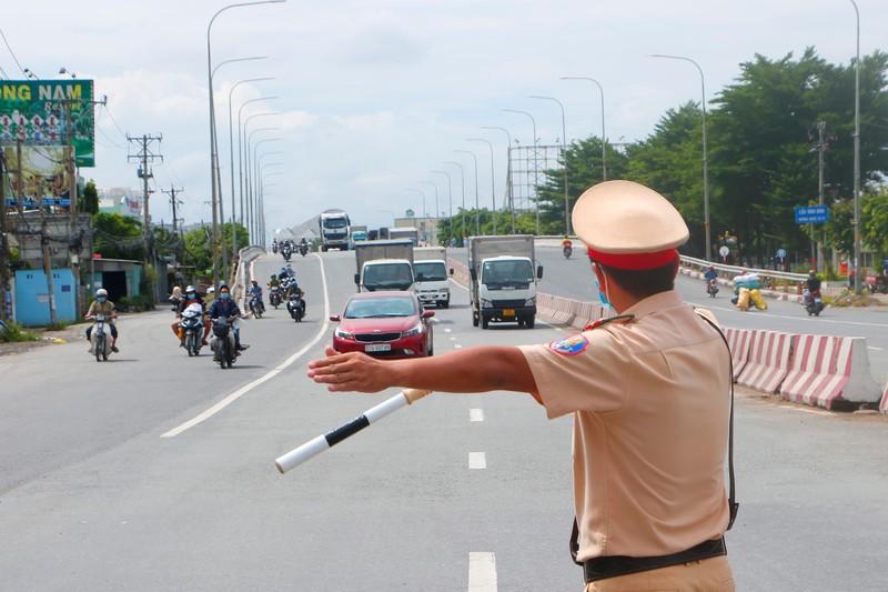 4 chiến sĩ Cảnh sát giao thông Bình Dương dương tính với COVID-19 - ảnh 2