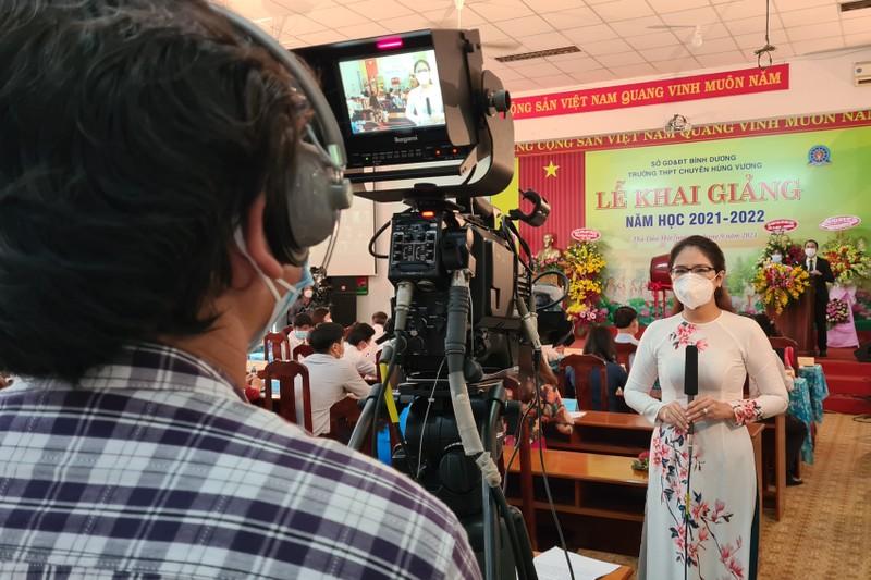 Hơn 500.000 học sinh tại Bình Dương tham dự lễ khai giảng trực tuyến - ảnh 1