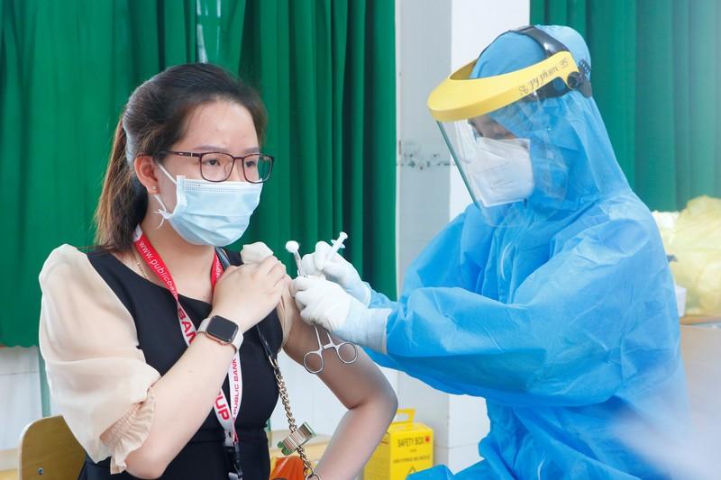 Sở Y tế Bình Dương giải thích văn bản gây hiểu nhầm về thời hạn vaccine Moderna - ảnh 1