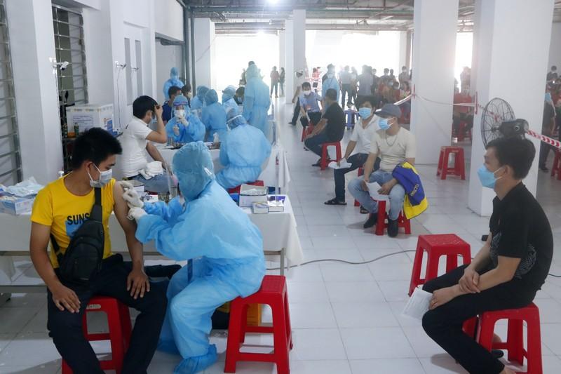 Bình Dương được phân bổ 1 triệu liều vaccine, ưu tiên tiêm cho công nhân - ảnh 1