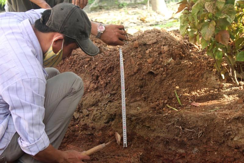 Thấy gì khi khai quật khu vực mộ vua Quang Trung  - ảnh 3