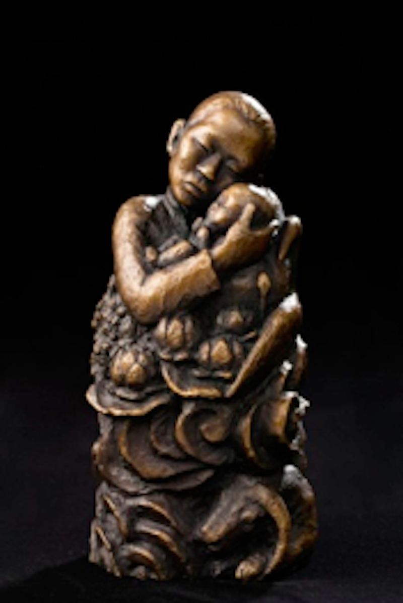 Tượng Pieta Việt Nam vừa được trao tặng.