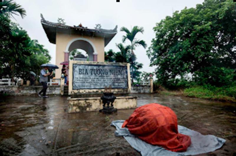 Quỹ hòa bình Hàn Việt tặng tượng 'Xin lỗi Việt Nam' - ảnh 3