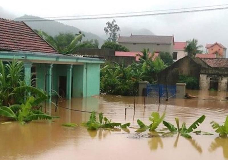 Mưa lũ nhấn chìm Hà Tĩnh, Quảng Bình, Thừa Thiên-Huế - ảnh 5