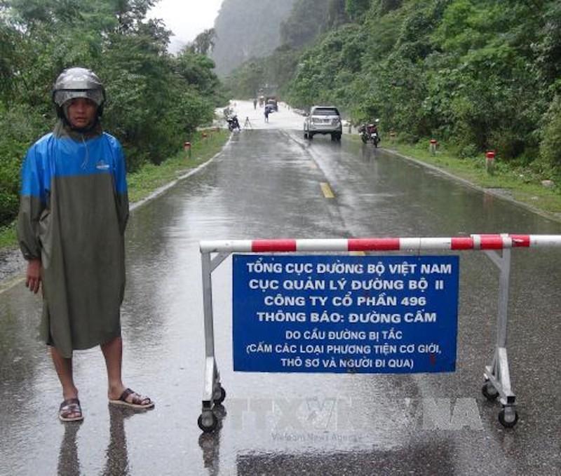 Mưa lũ nhấn chìm Hà Tĩnh, Quảng Bình, Thừa Thiên-Huế - ảnh 2