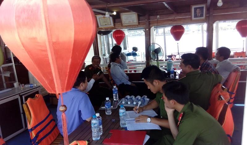 Gia hạn hoạt động cho nhiều tàu du lịch trên sông Hàn  - ảnh 1