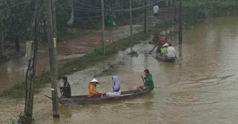 Các tỉnh miền Trung đề nghị cứu đói khẩn cấp - ảnh 1