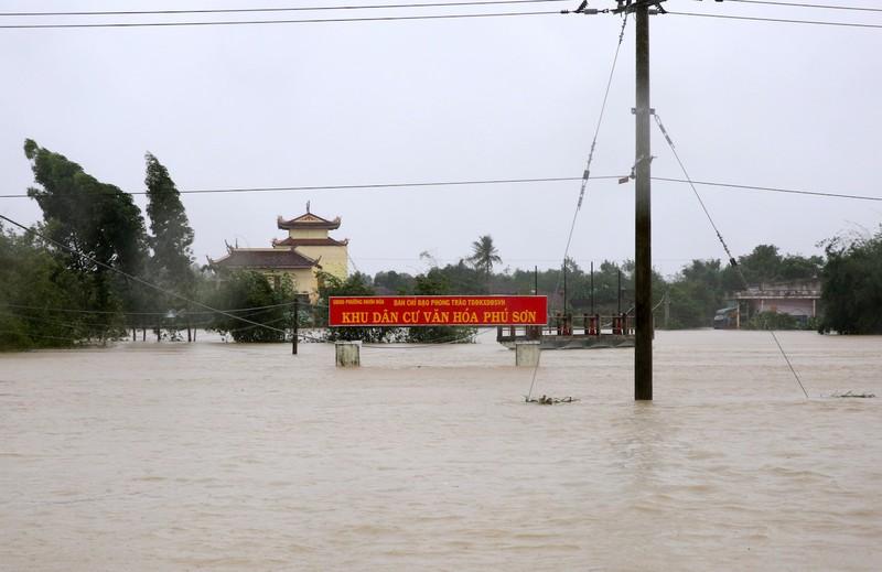 Các tỉnh miền Trung đề nghị cứu đói khẩn cấp - ảnh 2