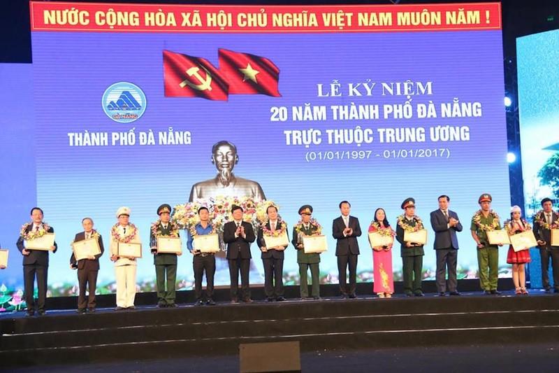 Thủ tướng: Đà Nẵng phải cạnh tranh được với Singapore - ảnh 4