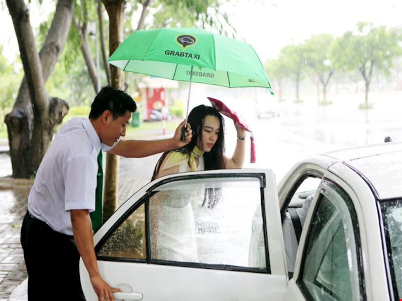 Đà Nẵng yêu cầu điều tra ngăn chặn GrabCar và Uber - ảnh 1
