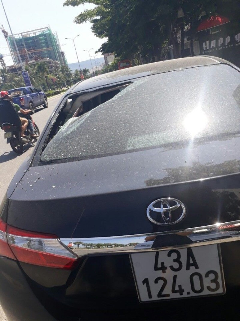Hàng loạt ô tô người dân Đà Nẵng bị kẻ xấu đập phá - ảnh 4