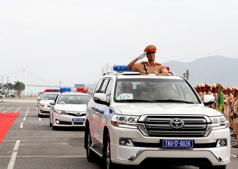 Ra quân 1.000 cán bộ chiến sĩ đảm bảo giao thông APEC - ảnh 9