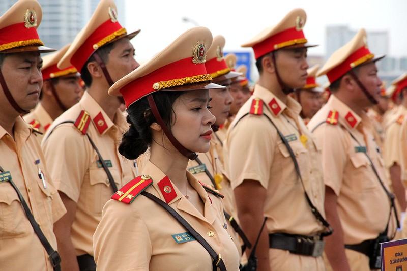 Ra quân 1.000 cán bộ chiến sĩ đảm bảo giao thông APEC - ảnh 4