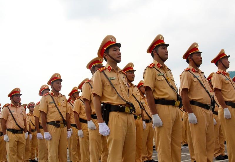 Ra quân 1.000 cán bộ chiến sĩ đảm bảo giao thông APEC - ảnh 1