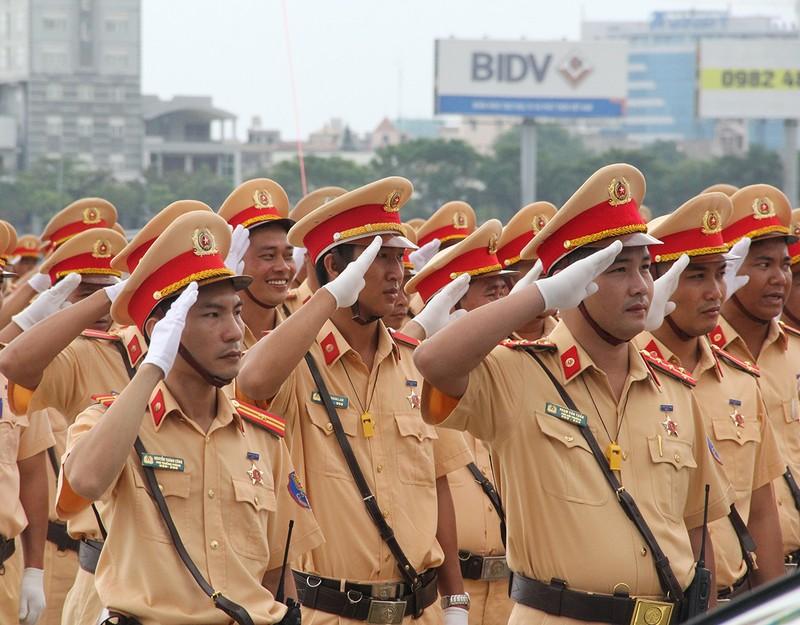Ra quân 1.000 cán bộ chiến sĩ đảm bảo giao thông APEC - ảnh 2