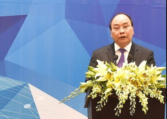 Thủ tướng: 'Tiếp tục đổi mới, cơ cấu lại nền kinh tế' - ảnh 1