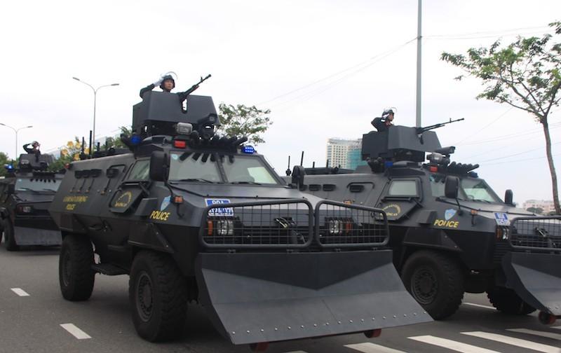 Những màn võ thuật chống khủng bố APEC đẹp mắt - ảnh 2