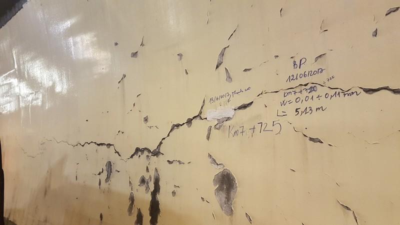 Hầm Hải Vân xuất hiện nhiều vết nứt toác nghiêm trọng - ảnh 5