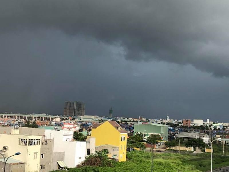 Cảnh báo mưa lớn ở Đà Nẵng, đề phòng lũ quét - ảnh 1