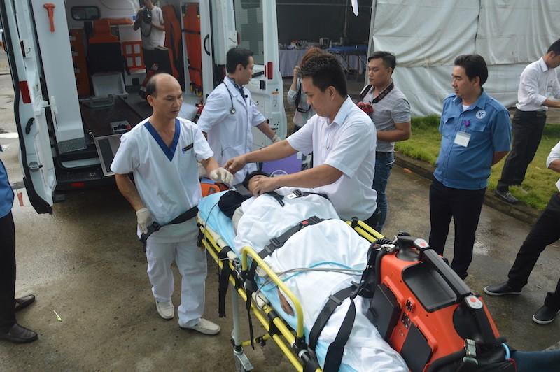 Diễn tập ứng phó với thảm họa phục vụ APEC - ảnh 11