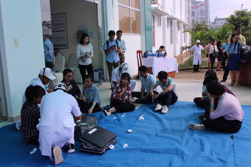 Diễn tập ứng phó với thảm họa phục vụ APEC - ảnh 2