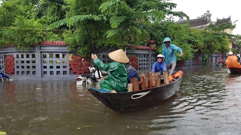 Hội An và vùng trũng Đà Nẵng ngập chìm trong lũ - ảnh 7