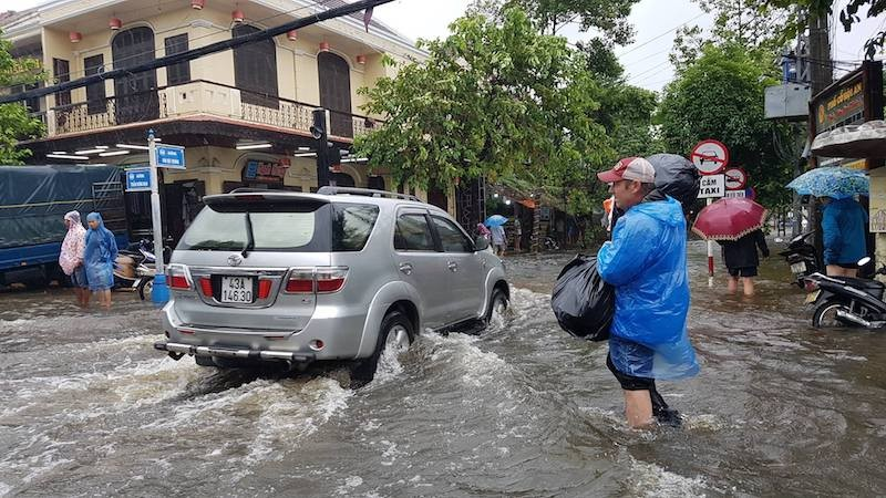 Hội An và vùng trũng Đà Nẵng ngập chìm trong lũ - ảnh 8