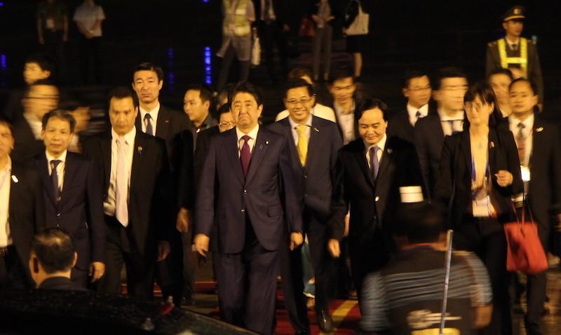 Thủ tướng Nhật Bản Shinzo Abe tới Đà Nẵng dự APEC 2017 - ảnh 4