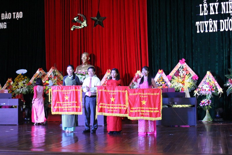 Đà Nẵng: 6 Nhà giáo ưu tú được Thủ tướng vinh danh  - ảnh 2