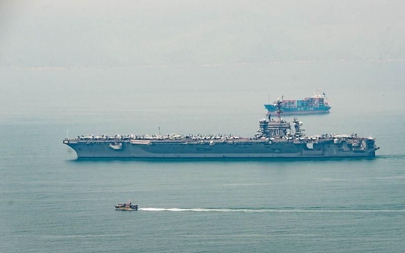Tư lệnh tàu USS Carl Vinson: 'Hôm nay là ngày lịch sử' - ảnh 1
