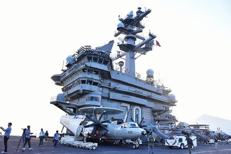 Ngày mai, tàu sân bay USS Carl Vinson tạm biệt Đà Nẵng - ảnh 2