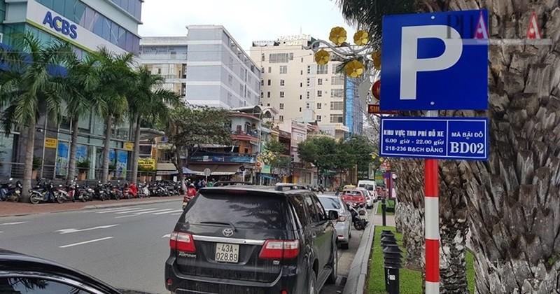 Ngày mai, Đà Nẵng thu phí đỗ xe dưới lòng đường - ảnh 1