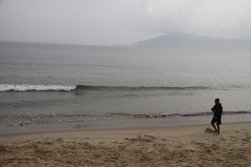 Chưa thể khẳng định biển Đà Nẵng ô nhiễm - ảnh 1